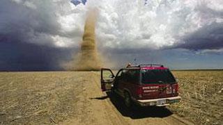 行车记录仪纪录龙卷风