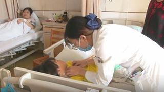7岁女儿忍痛捐骨髓