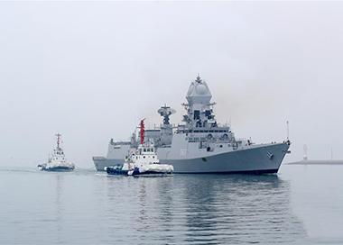 参加海军节庆典各国军舰陆续抵达