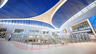 全球最大单体卫星厅启用