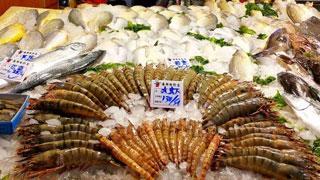 山东青岛海鲜市场供应丰富